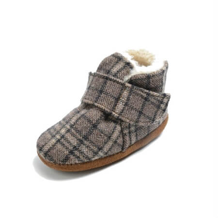 Minnetonka Moccasins 1142P - Sawyer Front Strap Bootie - Brown Plaid