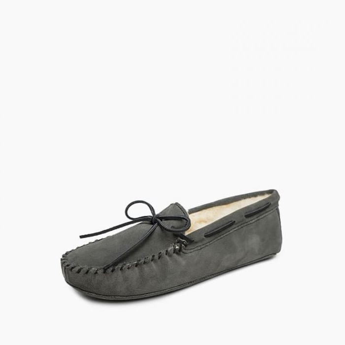 Minnetonka Moccasins 3719 - Men's Sheepskin Softsole Moccasin - Grey