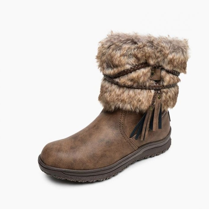 Minnetonka Moccasins 87413 - Women's Faux Fur/Pile Lined Everett Boot - Brown