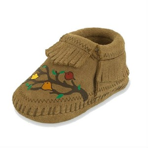 Minnetonka Moccasins 1167S - Free Range Mama - We Are Family - Taupe Suede