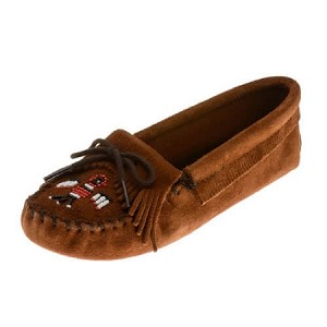 Minnetonka Moccasins 152 - Women's Softsole Thunderbird Moccasin - Brown Suede