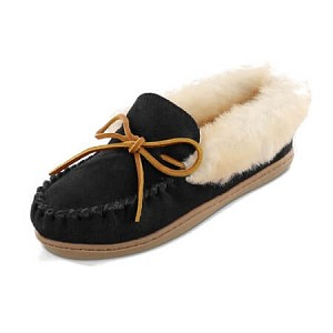 Minnetonka Moccasins 3370 - Women's Alpine Sheepskin Moccasin - Black Suede