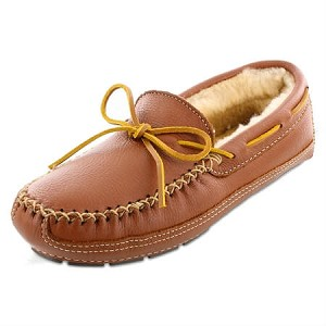 Minnetonka Moccasins 3758 - Men's Sheepskin Lined Moosehide Slipper - Carmel