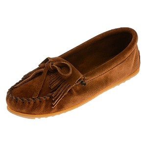 Minnetonka Moccasins 402 - Women's Kilty Hardsole Moccasin - Brown Suede