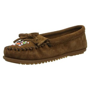 Minnetonka Moccasins 403J - Women's Me To We Moccasin - Dusty Brown Suede