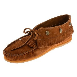 Minnetonka Moccasins 532 - Women's Fringed Moccasin - Brown Suede