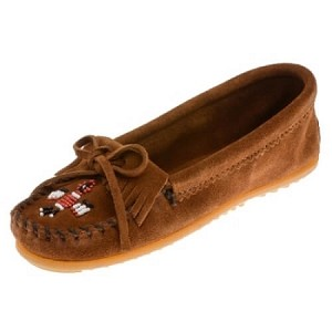 Minnetonka Moccasins 602 - Women's Thunderbird II Kilty Moccasin - Brown Suede