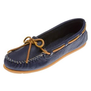 Minnetonka Moccasins 619R - Women's Boat Moccasin - Smooth Leather - Navy