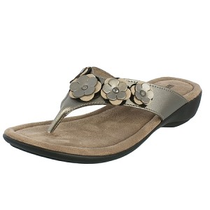 minnetonka moccasins 70032 solana sandal in pewter color leather