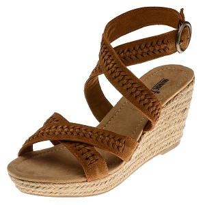 minnetonka moccasins 71307 brown suede haley sandal
